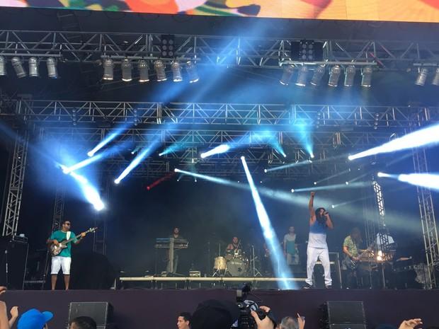 Vibrações abriu os shows na Praça Multieventos, neste domingo (Foto: Pedro Neto/G1)