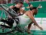 Brasil perde para Alemanha, mas vai  às quartas no basquete masculino