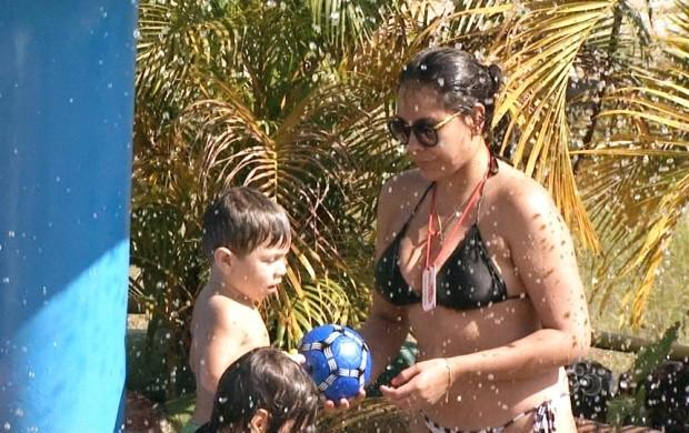 População encontra maneiras para fugir do calor (Foto: Roraima TV)