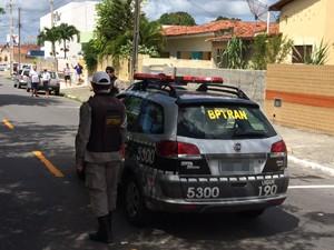 Assalto aconteceu no bairro de Jaguaribe (Foto: Walter Paparazzo/G1)