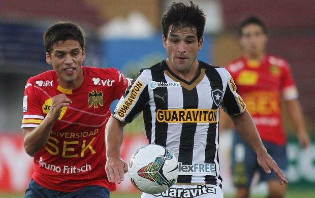 Luis Pavez e Nicolas Lodeiro, Union Espanola x Botafogo (Foto: EFE)