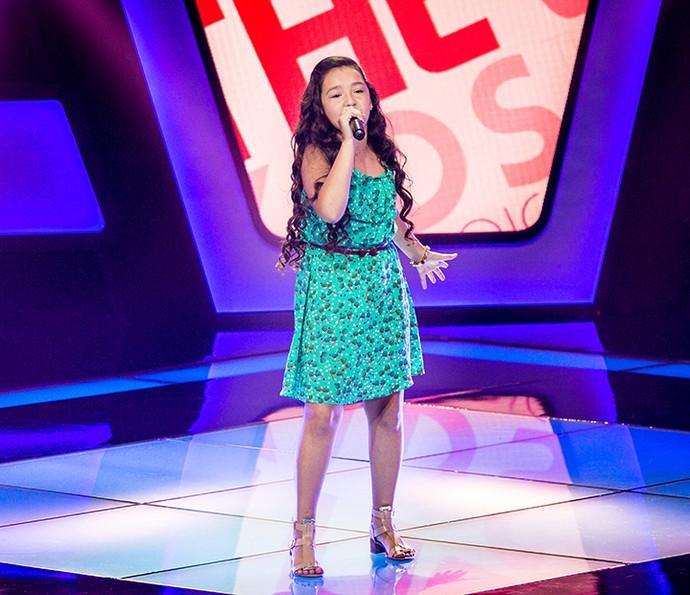 Kailane Frauches canta 'Olha o que o amor me faz' no The Voice Kids (Foto: Isabella Pinheiro/Gshow)