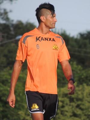 Escudero zagueiro Criciúma treino (Foto: João Lucas Cardoso)