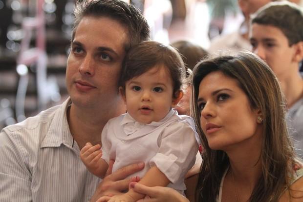 Raquel Nunes com o marido e o filho (Foto: Divulgação)