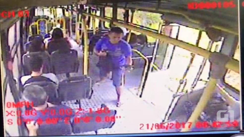 Assalto a ônibus, em São José de Mipibu, terminou na morte da técnica em enfermagem Verônica Oliveira. (Foto: Divulgação / Polícia Civil)