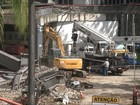 Seis meses após fachada cair, Centro  de Convenções segue em desmonte