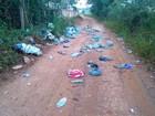 Moradora reclama de lixo jogado perto de cemitério em Pitangui