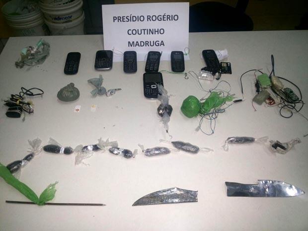 Foram apreendidos drogas e celulares no Pavilhão Rogério Coutinho Madruga (Foto: Osvaldo Júnior/Divulgação)