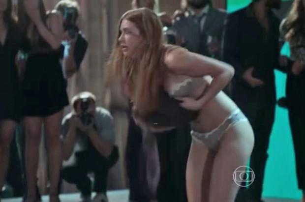 0089f2e58 Marina Ruy Barbosa ficou de calcinha e sutiã na novela Totalmente Demais  (Foto  Reprodução