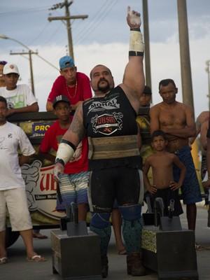 Mohai no último campeonato de Strongman, em Peruíbe (Foto: Edgar Pedro de Souza/União Brasileira de Strong Man)