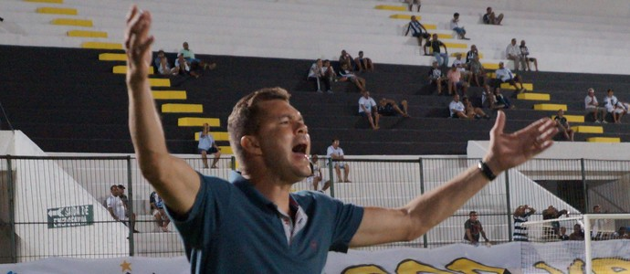 Isaías Silva - técnico do Baraúnas (Foto: Augusto Gomes)