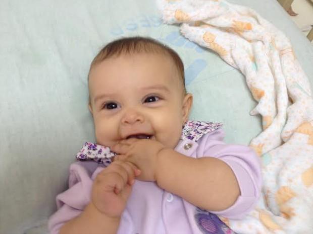 Melanie, de apenas sete meses, foi diagnosticada com leucemia rara (Foto: Divulgação/Arquivo Pessoal)