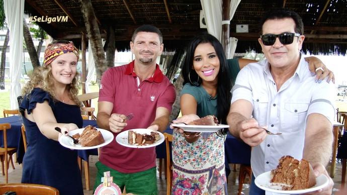 Beto Barbosa faz surpresa em aniversário de fã cearense. (Foto: Se Liga VM)