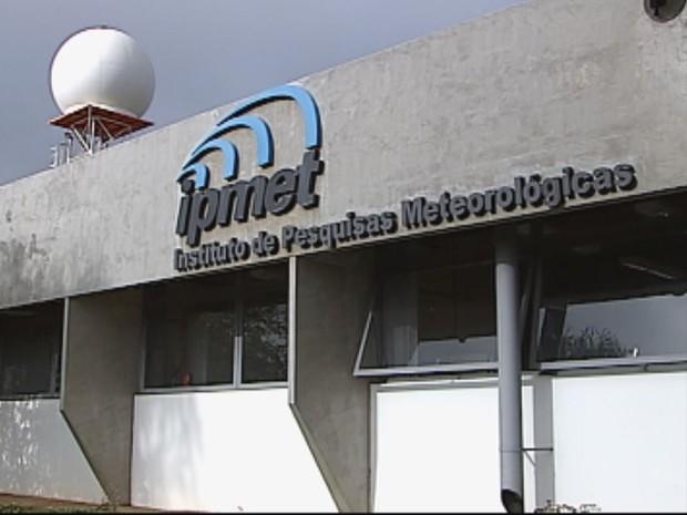 Funcionários do IPMet aderiram a greve (Foto: Reprodução / TV TEM)