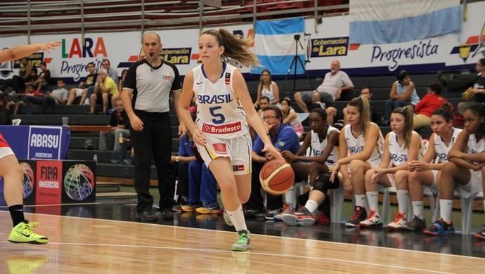 Clarissa Carneiro, basquete de Venceslau, seleção brasileira sub-15 (Foto: CBB / Divulgação)