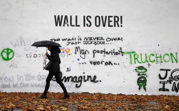 muro john lennon praga (Foto: AP Photo/Petr David Josek)