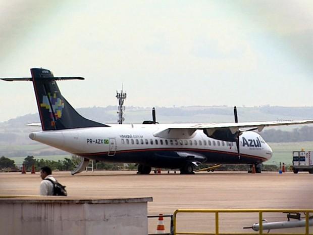 Deficientes visuais foram impedidos de embarcar em avião da Azul (Foto: Reprodução/ EPTV)