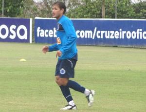 Everton Volante do Cruzeiro (Foto: Marco Antônio Astoni / Globoesporte.com)