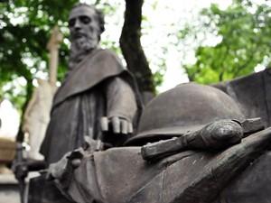 Obra de Amadeo Zani em homenagem a Prudente de Morais (Foto: Fabiano Correia/ G1)