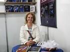 Psicóloga 'troca' carreira, escreve trilogia e lança no Flipoços em MG