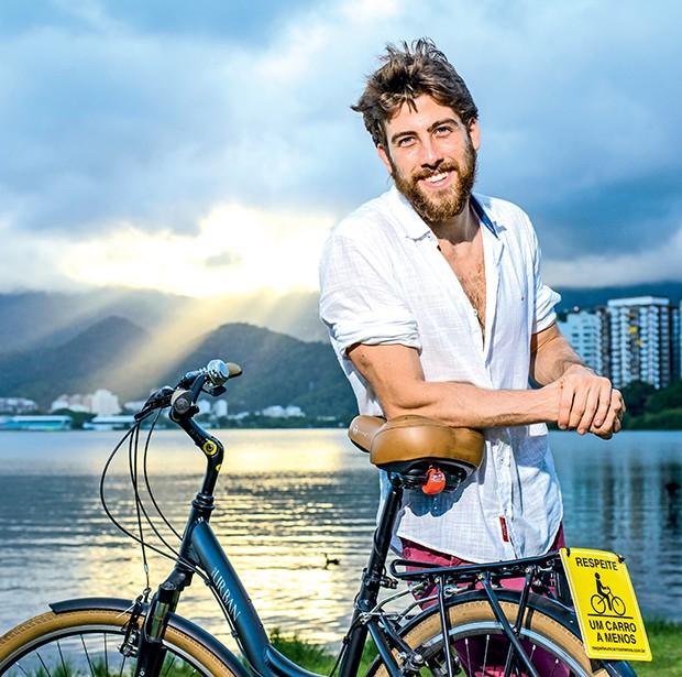 """Pedro quer  ter mais uma  bike. """"Uma   para passeios  e outra só para  exercícios"""", diz  (Foto:  )"""