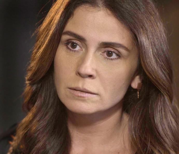 Alice descobre que César mentiu para Mario dizendo que ela está grávida (Foto: TV Globo)
