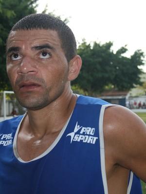 Raulino em treino pelo São Domingos (Foto: Felipe Martins/GLOBOESPORTE.COM/SE)