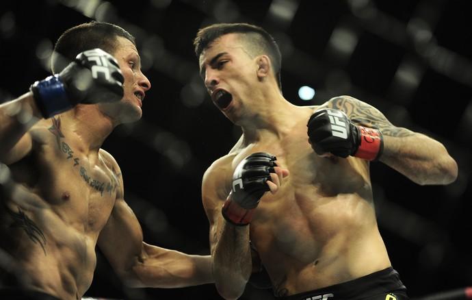 Thomas Almeida Anthony Birchak UFC São Paulo MMA (Foto: Marcos Ribolli)