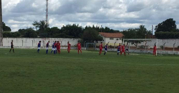 Colinas x Tocantins  (Foto: Thiago Vieira/ TV Anhanguera )
