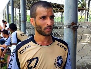 Gilberto, lateral-esquedo do Rio Branco-ES (Foto: Eduardo Dias)