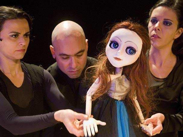 A adaptação é da Companhia Teatro Portátil (Foto: Celso Pareira)