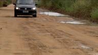 Estrada que dá acesso a Patrimônio da Lagoa, no Norte do ES, está em más condições