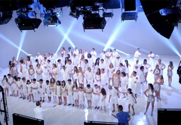 Gravação com todo o elenco do SBT (Foto: Divulgação - Lourival Ribeiro / SBT)