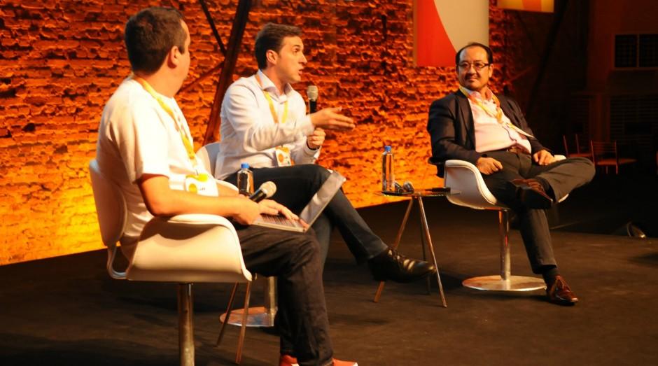 Fabiano Candido, editor de Pequenas Empresas & Grandes Negócios, Marcos Hirai, sócio-diretor da consultoria GS&BGH e Denis Santini, CEO do Grupo MD, durante palestra no PEGN Labs (Foto: Rafael Jota)