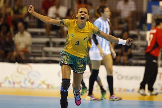 Alexandra Nascimento comemora vitória sobre a Argentina (Foto: Cinara Piccolo/Photo&grafia)