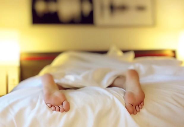 Sono - dormir - cama - deitado - descanso - exausto - dormida  (Foto: Pexels)