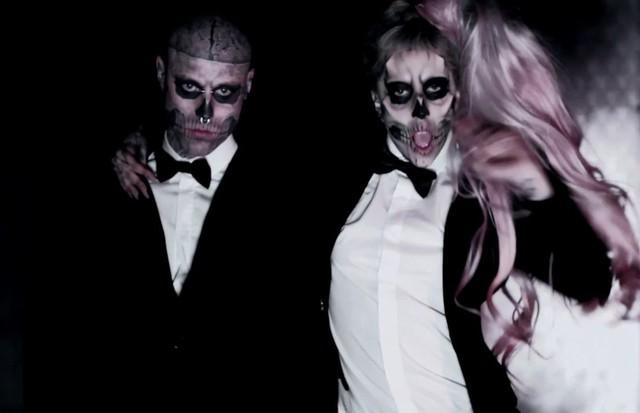 Lady Gaga em Born This Way (Foto: Reprodução)