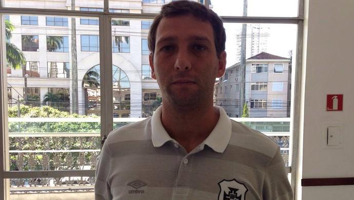 Ricardo Costa, técnico da Portuguesa Santista (Foto: Antonio Marcos)