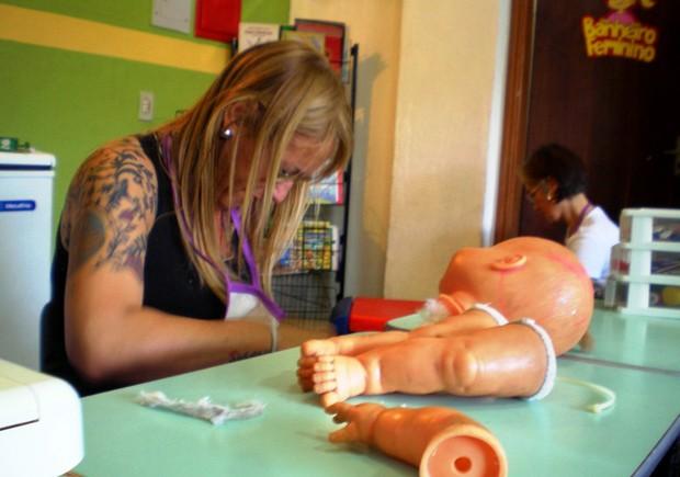 Interessados podem utilizar de ferramentas no local, ou ajudar outras pessoas (Foto: Divulgação/Andes)