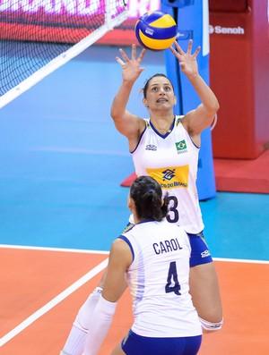 Dani Lins Carol Brasil x Japão Grand Prix vôlei (Foto: Divulgação / FIVB)