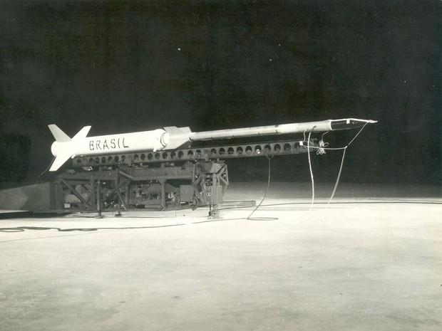 Primeiro lançamento da Barreira do Inferno, foguete Nike Apache (Foto: Arquivo Aeronautica/Cedida)