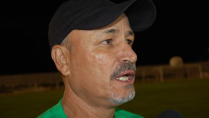 Paulo Júnior, técnico do Sousa (Foto: Silas Batista / GloboEsporte.com/pb)