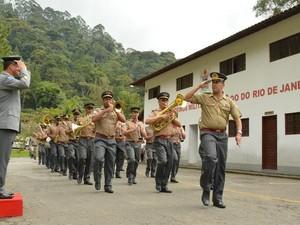 Banda Musical do 16º GBM se apresentou durante a troca de comando (Foto: Marco Esteves/Ascom Teresópolis)
