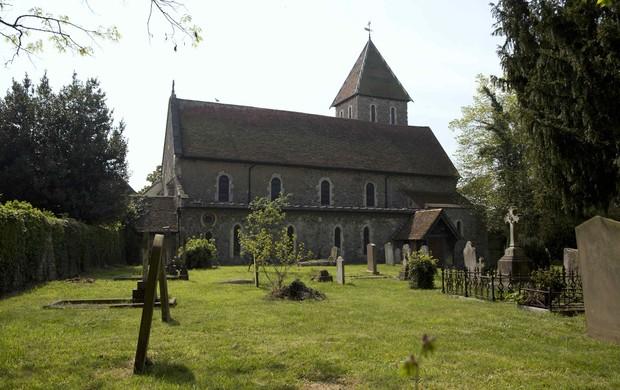 Igreja onde acontece funeral de Peaches Geldof (Foto: Agência Reuters)