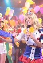 Patricia Abravanel se veste de Xuxa na TV; confira as fotos!