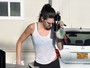 Kendall Jenner estaciona em vaga para deficientes