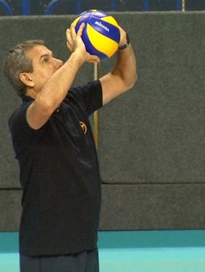 José Roberto Guimarães é o técnico de Campinas (Foto: Carlos Velardi/ EPTV)