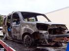 Carro com mais de uma tonelada de maconha pega fogo na BR-324, na BA