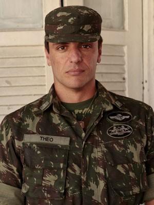 Théo é a estrela do regimento (Foto: Salve Jorge/TV Globo)