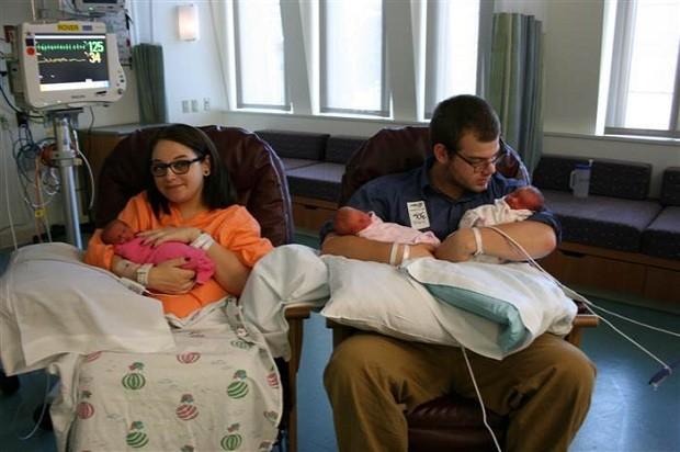 Os pais com as meninas (Foto: Arquivo pessoal)
